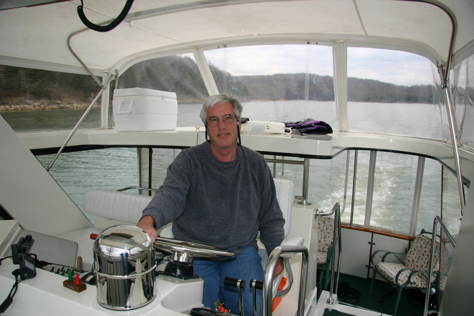 Captain Gary at the helm on a delivery job from Tennessee River to Arkansas River