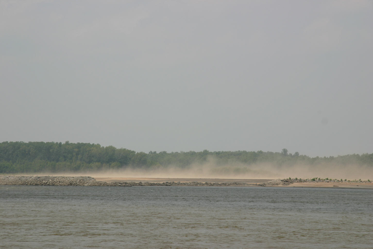 The south wind blows the tops off the sandbars